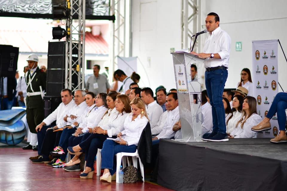 Vélez abrió plaza para el Plan de Desarrollo. Gobernador dio inicio a los talleres Siempre Santander