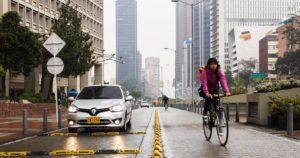 Lee más sobre el artículo Lista de los 17 tipos de vehículos que sí pueden movilizarse durante el Día sin Carro en Bogotá