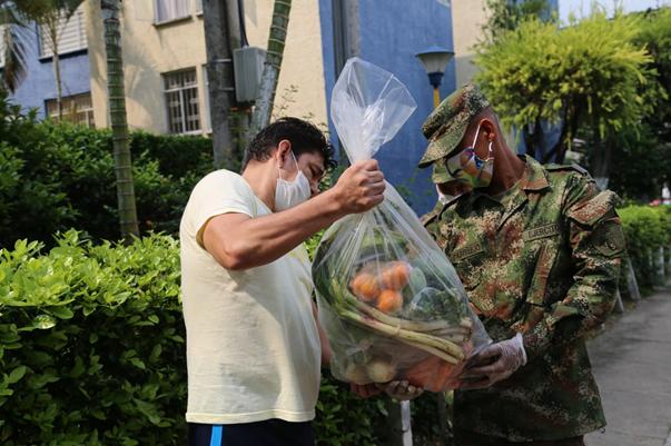 En Santander Ejército lleva el campo a tu casa, proyecto para comprarle a los campesinos de la región