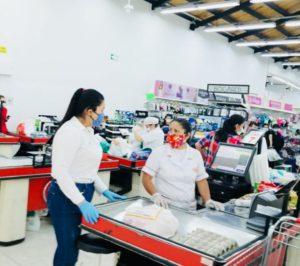 Desarrollo Empresarial previene desabastecimiento y sobrecostos de alimentos y productos de aseo con visitas a comercios locales